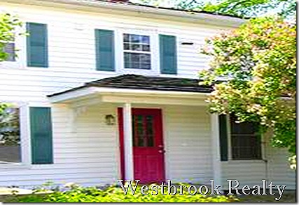 oldcoachhouseentrance thumb You Want to Rent A Foreclosure Home?